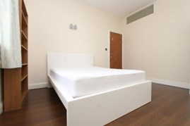 Similar Property: Double room - Single use in Waterloo