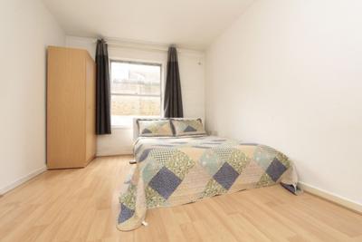 Similar Property: Double Room in Elephant & Castle