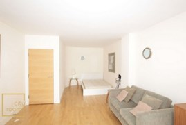 Property photo: Cedar Court, 1 Royal Oak Yard, SE1