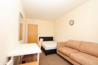 Similar Property: Double room - Single use in Borough/London Bridge