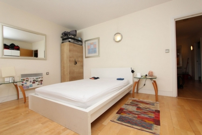 Similar Property: Double Room in London Bridge/Borough