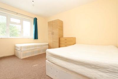Similar Property: Twin Room in Stratford