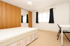 Similar Property: Double Room in Langdon Park / Westferry