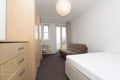 Similar Property: Double Room in Bow Road