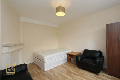 Similar Property: Double room - Single use in Crossharbour, South Quay