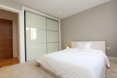 Similar Property: Double room - Single use in Kensington Olympia, Hammersmith