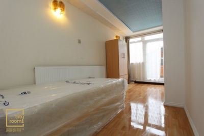 Similar Property: Double room - Single use in Hainault