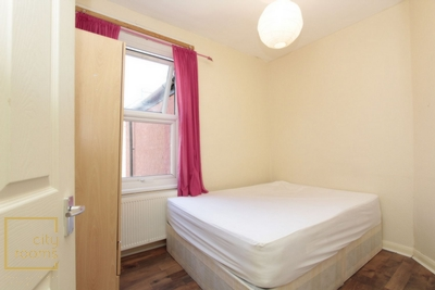 Similar Property: Double room - Single use in East Ham