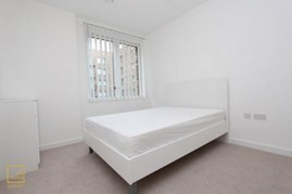 Similar Property: Ensuite Double Room in London City Airport,Gallions Reach