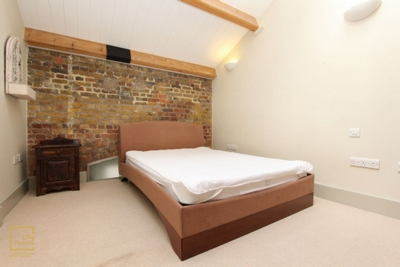 Similar Property: Double room - Single use in Woolwich