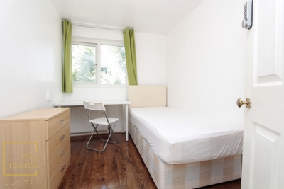 Similar Property: Single Room in Stratford