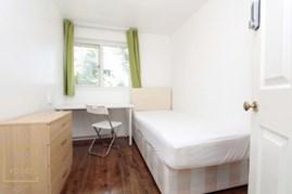 Similar Property: Single Room in Stratford