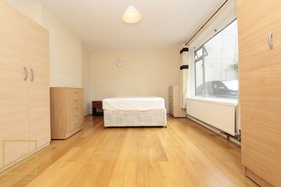 Property To Rent 32 Fairfield Road Bow E3 Double Room Through