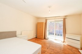 Similar Property: Double Room in Poplar
