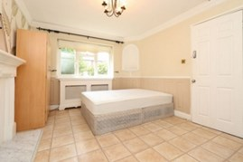 Similar Property: Double room - Single use in Canning Town