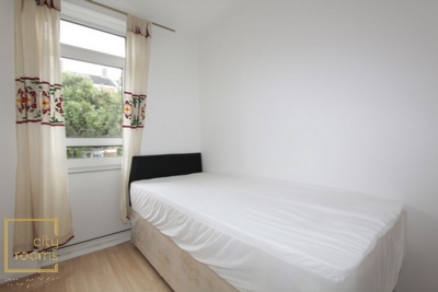 Similar Property: Single Room in Devons Road