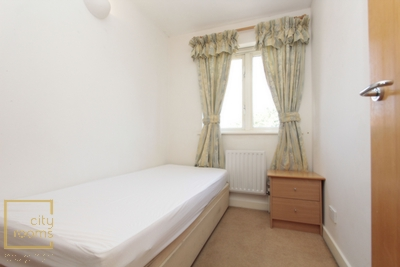 Similar Property: Single Room in Crossharbour,Canary Wharf