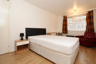 Similar Property: Double room - Single use in West Ham,Canning Town