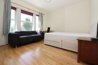 Similar Property: Double Room in Kensington Olympia