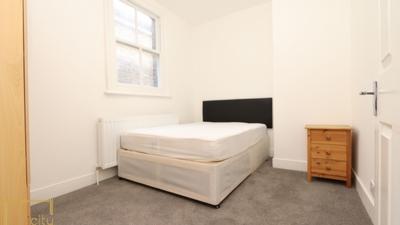 Similar Property: Single Room in Golders Green