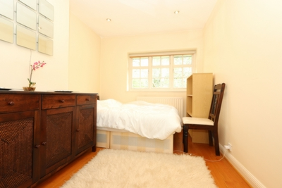 Similar Property: Double room - Single use in East Finchley