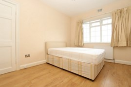 Similar Property: Double room - Single use in Hendon Central