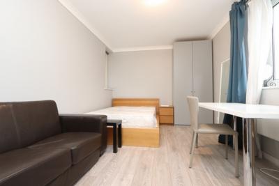 Similar Property: Double room - Single use in Blackwall,Canary Wharf