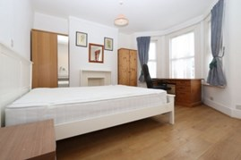 Similar Property: Double Room in Turnpike Lane