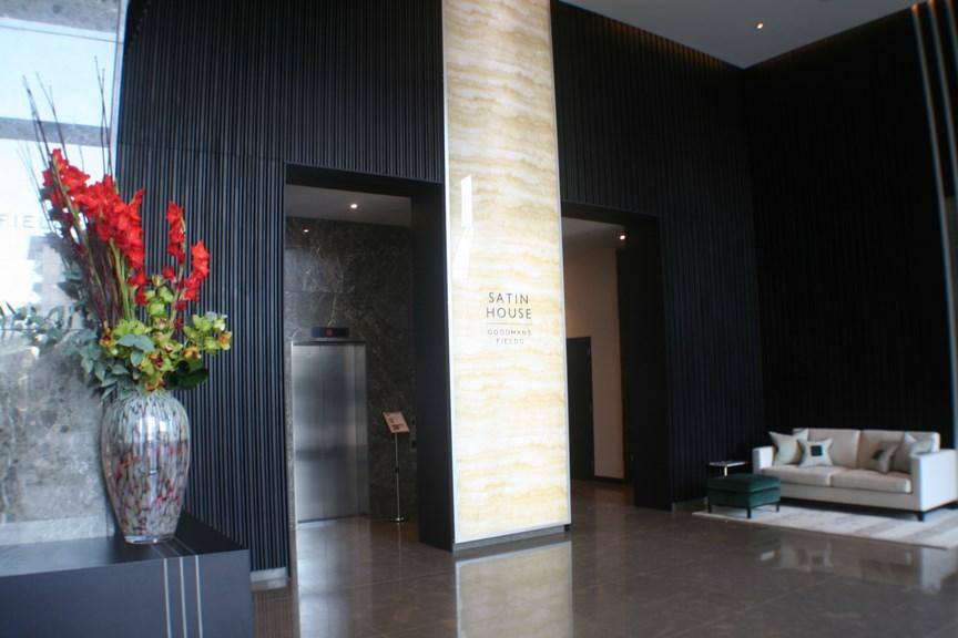 Lobby 02
